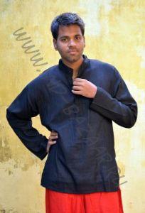 Черная мужская рубашка из хлопка